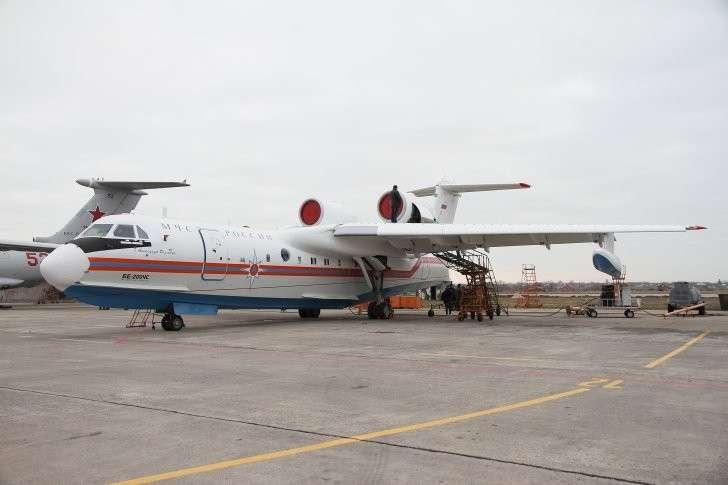 МЧС России получило первый самолет Бе-200ЧС таганрогской сборки. Красавец