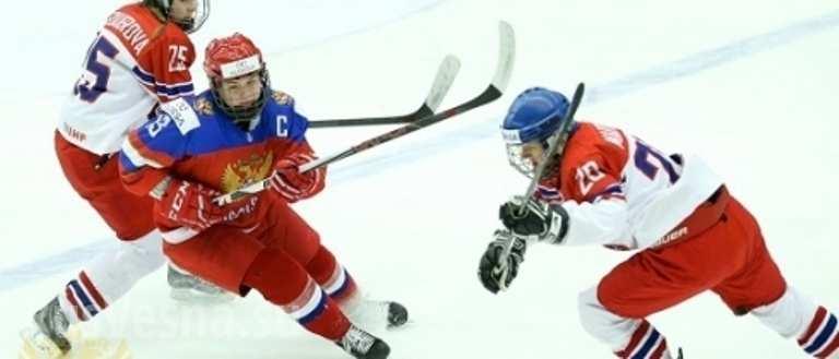 «Ледовое побоище» начемпионате мира: чешские хоккеистки подрались сроссиянками