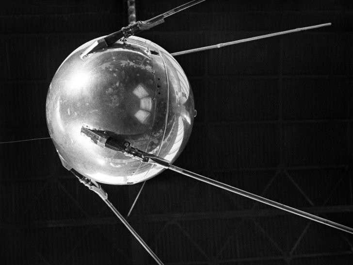 Человек, открывший космическую эру и превративший гонку вооружений в космическую гонку