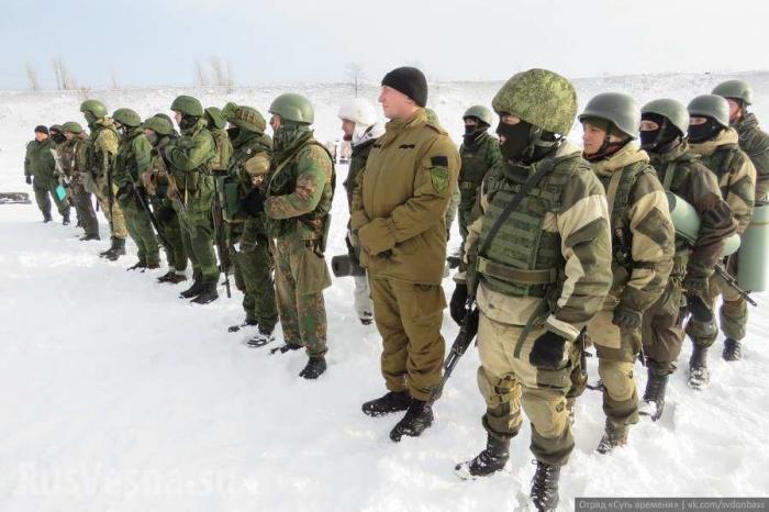 Состязание спецназа ДНР: тактическая стрельба, толкание БТРа и рукопашный бой