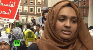 Тысячи людей вышли на улицы Лондона выразить поддержку палестинцам