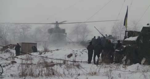Каратели открыли огонь по мирным жителям во время раздачи гуманитарной помощи на Донбассе