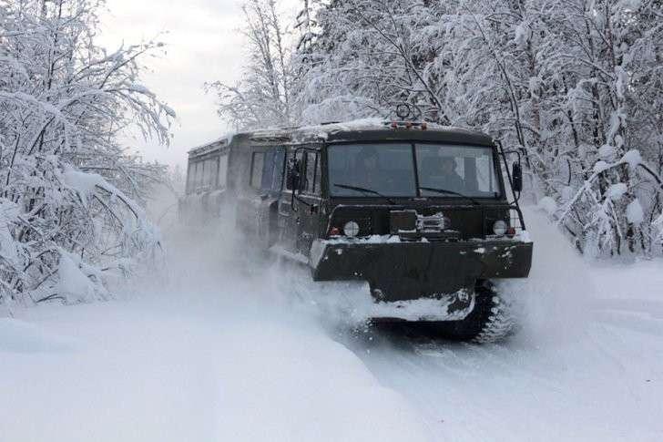 Арктический всепогодный вездеход испытали в Заполярье