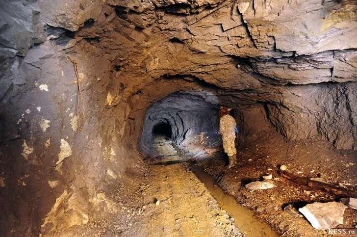 Пещеры или всё-таки очень-очень древние рудники?