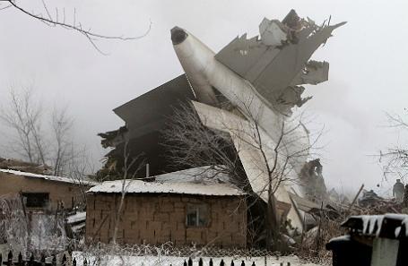 Авиакатастрофа в Бишкеке: жилые дома стерты с лица земли