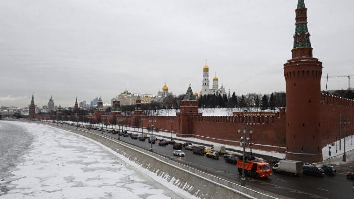 В Кремле объяснили, чем вызвана истеричная русофобия в Прибалтике