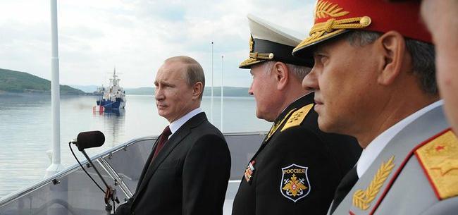 Владимир Путин принял участие в праздновании Дня ВМФ в Североморске