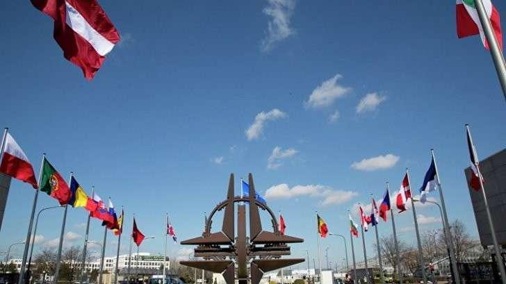 НАТО закрывают: Кандидат в президенты Франции предложил альтернативу