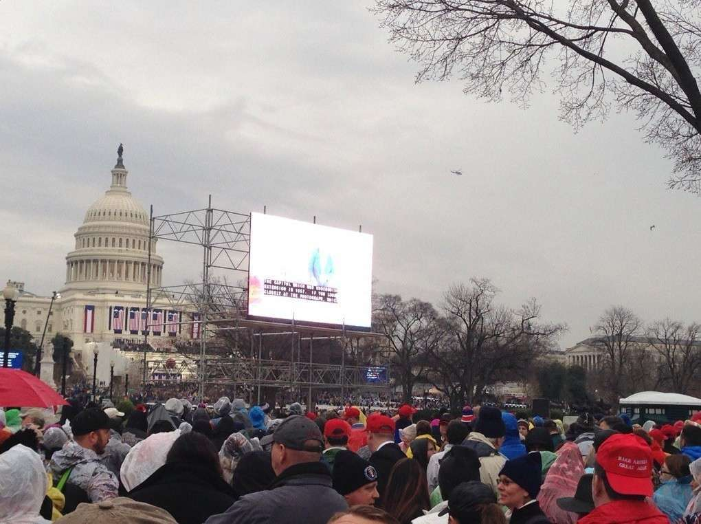 Инаугурация 45-го президента США Дональда Трампа. Прямая трансляция с акций протеста в Вашингтоне. Прямая трансляция с акций протеста в Вашингтоне