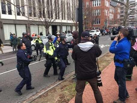 В Вашингтоне во время протестов против инаугурации Трампа задержаны 50 человек