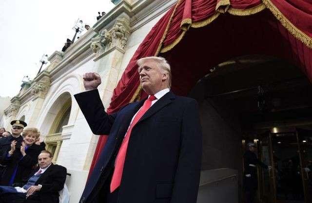 Дональд Трамп - новый глава Вашингтонского обкома: и вновь продолжается бой!