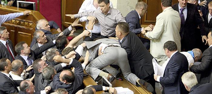 Украина: четверть постмайданной элиты - наркоманы, рецидивисты или шизофреники