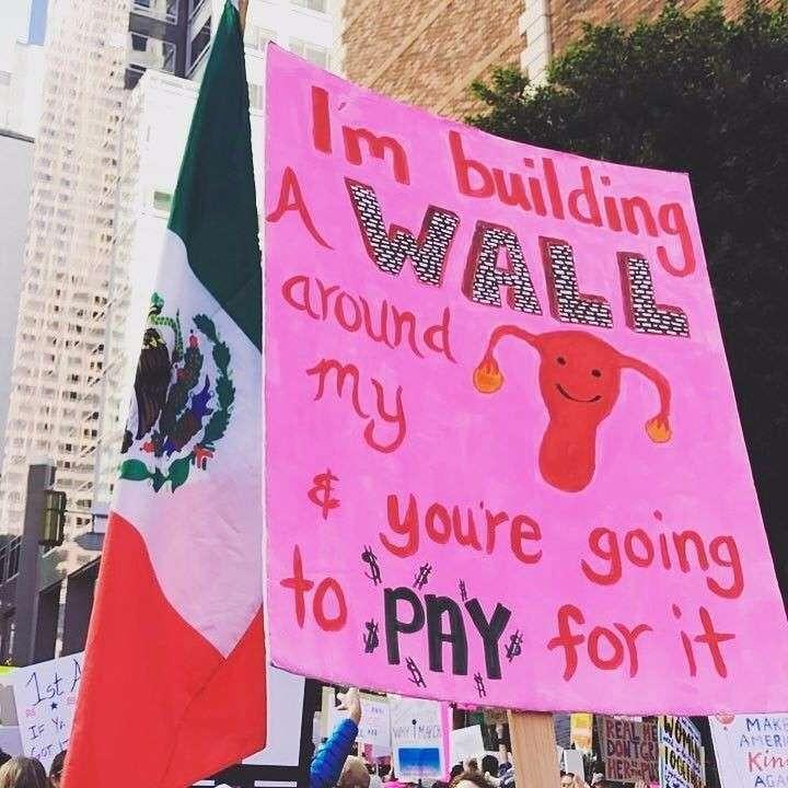 Вашингтон: охреневшие девушки сходят с ума за деньги