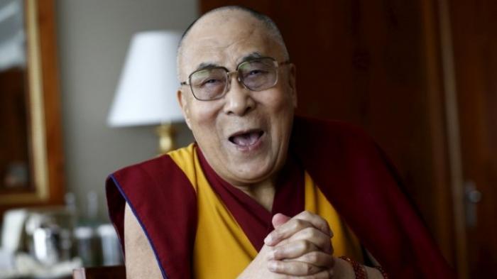 Далай-лама надеется, что Путин и Трамп помогут установить мир во всём мире, DM