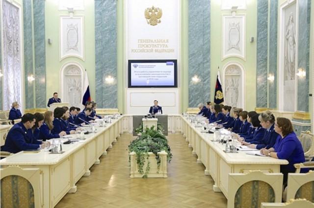 За коррупцию в России в 2016 году осудили более 13 тысяч человек. Бой продолжается!