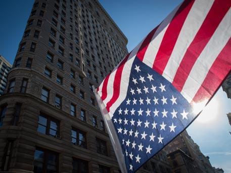 Администрация президента США Трампа приготовилась в одностороннем порядке снять санкции с России
