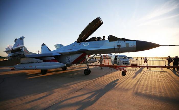 МиГ-29К против кривого Rafale: схватка в небе Индии