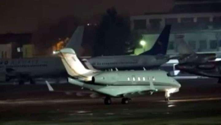 Новый Скандал на Украине: члены контактной группы летают в Минск на частных самолетах