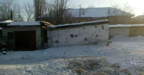 Обстрелы Донецка: школа в Макеевке эвакуирована, попадание в 9-этажный дом