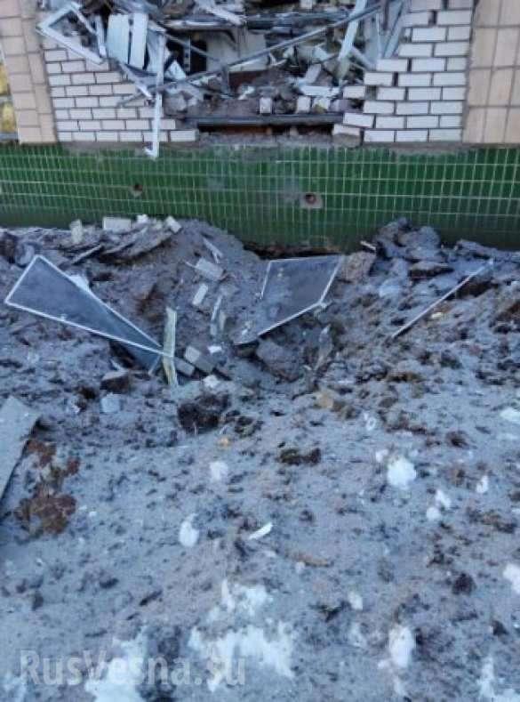 ВАЖНО: Обстрелы продолжаются, школа в Макеевке эвакуирована, попадание в 9-этажный дом, в Донецке ограничено движение транспорта (+ФОТО) | Русская весна