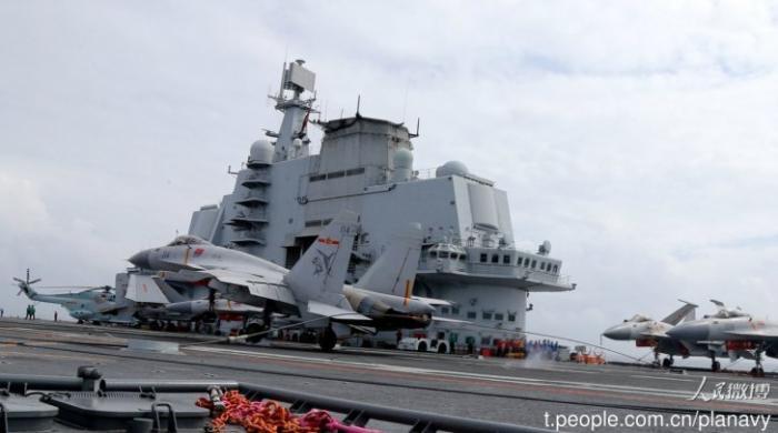 Знаешь, а Су-33 сейчас — лучший палубный истребитель!
