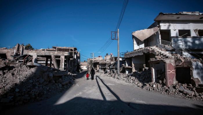 Более тысячи террористов вывезли за 12 часов из-под Дамаска на автобусах