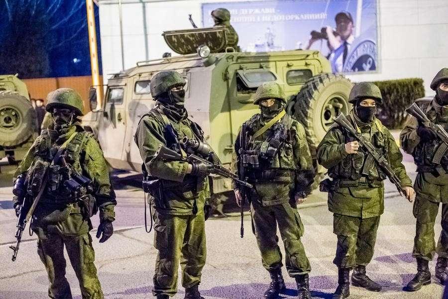 В Крыму представители ВС Украины массово покидают воинские части и переходят на сторону народа