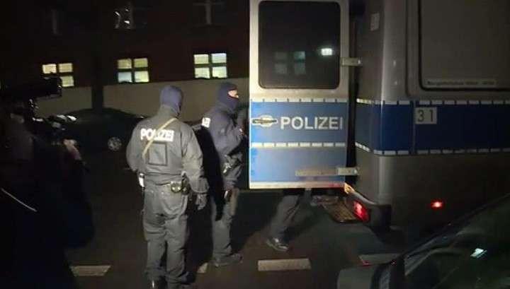 В Германии идет операция против ИГ, ФРГ доигралась с мигрантами