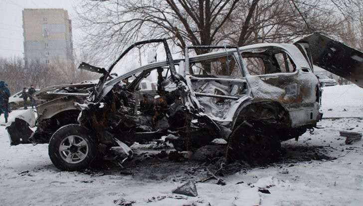 В Луганска подорвали автомобиль командира армии ЛНР