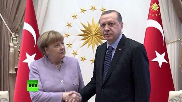 Реджеп Эрдоган проигнорировал Меркель: «стрельба» глазами не удалась