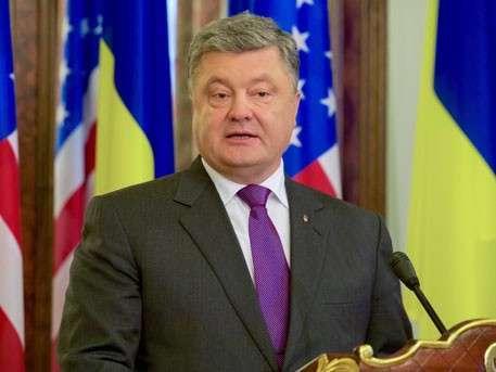 Спровоцировать США на проведение прежней политики в отношении России – истинная цель Порошенко