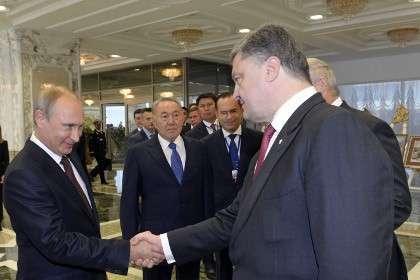 «Коварный» Путин душит Украину миром