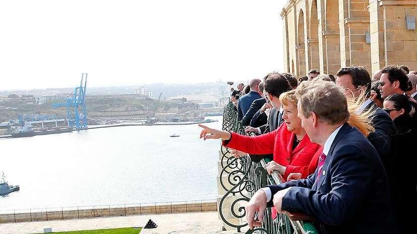 Встреча клоунов на Мальте: решению миграционных проблем лидеры ЕС предпочли прогулки и экскурсии