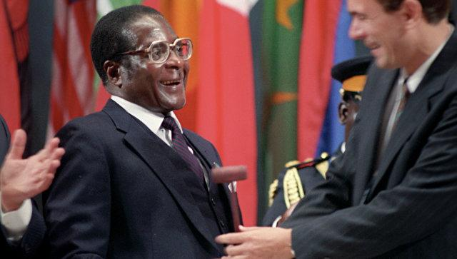 Власти Зимбабве посоветовали американскому послу «повеситься на банановом дереве»