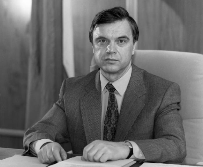 Руслан Хасбулатов: При правительстве Ельцина работало около 100 американских консультантов