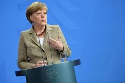 Черная метка от Меркель.  Порошенко cпасается от перевыборов, введя военное положение на Востоке Украины