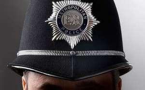 Шлемы британских полицейских получат новую королевскую символику