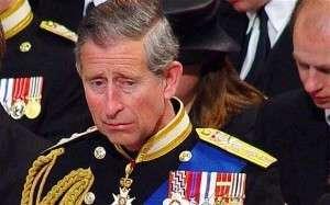 Принц Чарльз на похоронах своей бабушки, королевы Елизаветы, 2002 год