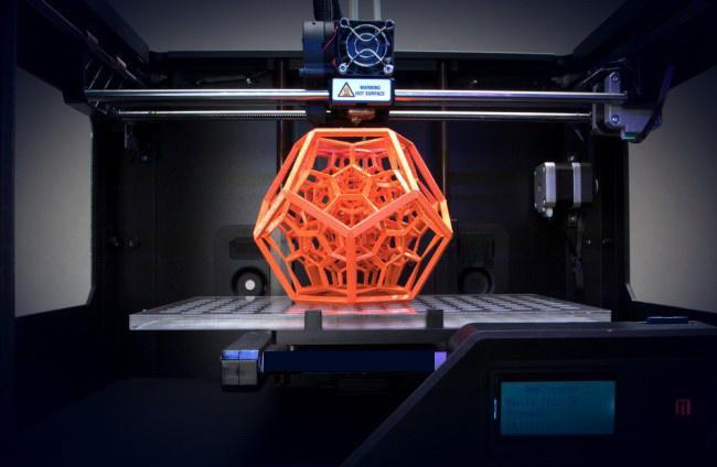ВРоссии создан уникальный 3D-принтер, нарушающий законы физики
