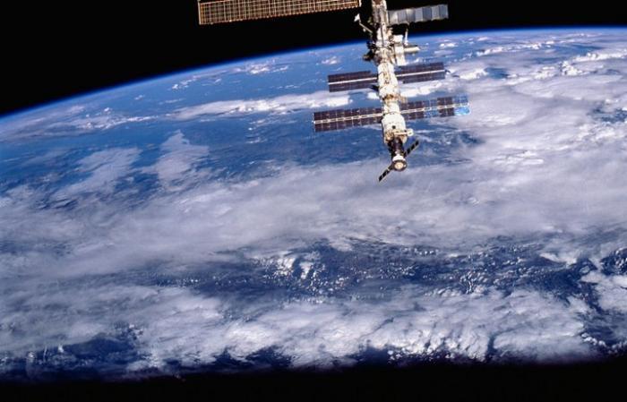 Россия разрабатывает спутник для уборки космического мусора с орбиты
