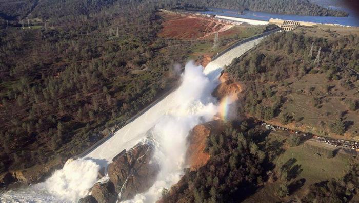 Катастрофа на плотине в США: Калифорнийская полиция отрицает мародерство