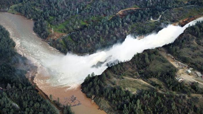 Катастрофы на плотинах в США: крупнейшие за полвека аварии. Случаются регулярно