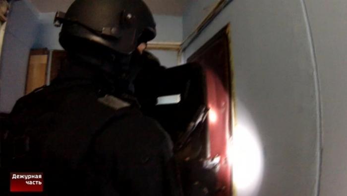 Нападение на инкассаторов в Москве: видео силового захвата подозреваемого