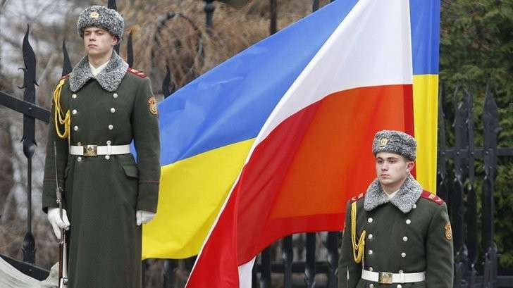 Польша защитит Украину от «российской агрессии» в обмен на электроэнергию, которой нет