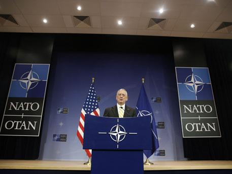 Новый глава Пентагона Джеймс Мэттис не доверяет России
