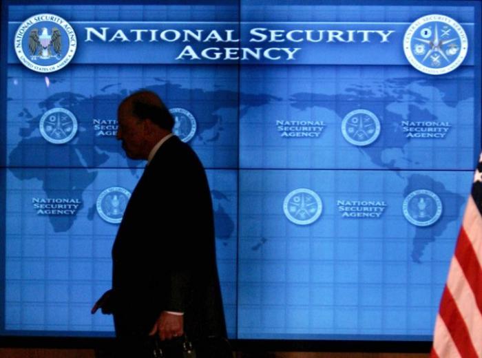 ЦРУ способствовало выбору президента Франции Франсуа Оланда