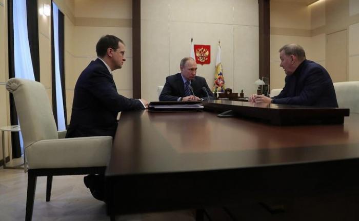 Владимир Путин провёл встречу сВладимиром Мединским иВладимиром Уриным