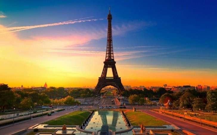 Выборы во Франции: избиратели ставят на Ле Пен и ротшильдовского Макрона