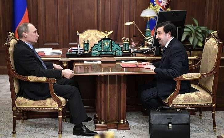 Владимир Путин встретился с ректором Академии народного хозяйства и госслужбы Владимиром Мау