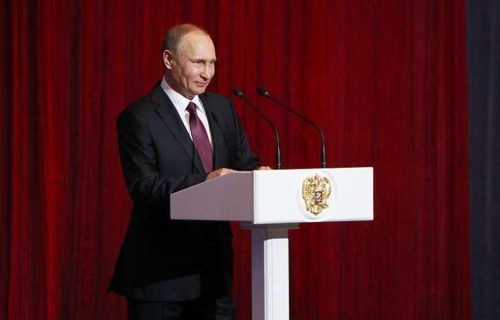 Владимир Путин сообщил, что Россия продолжит укреплять свои Вооружённые силы